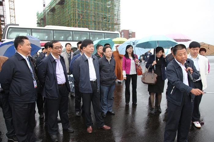 县政协常委集中视察星沙产业基地