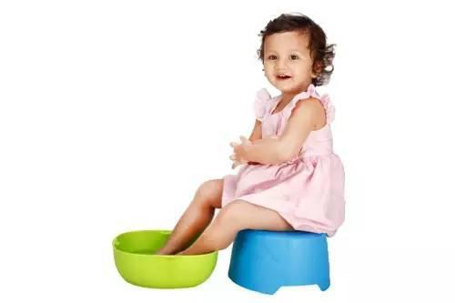 足弓形成的关键时期在儿童期